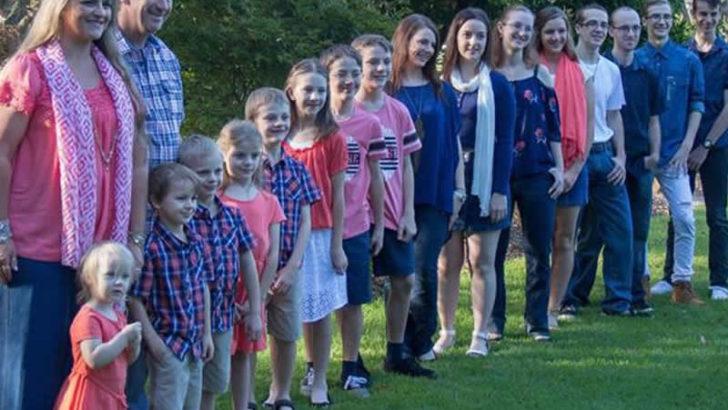 Zamanında çocuk istemeyen annenin şimdi 16 çocuğu var!