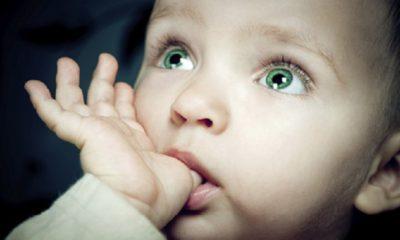 Bebeklerin acıktığını nasıl anlarız?