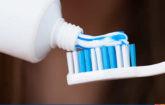 Diş macununun içindeki kimyasallar nelerdir?