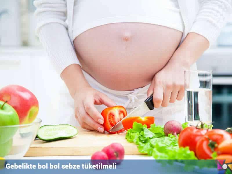 Gebelikte vitamin alımını taze meyve sebzelerden alabilirsiniz.