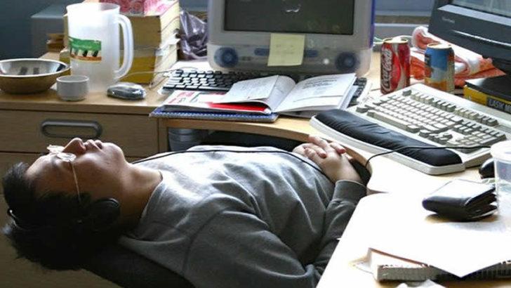 Masa başı işte çalışanların ani ölüm riski artıyor!