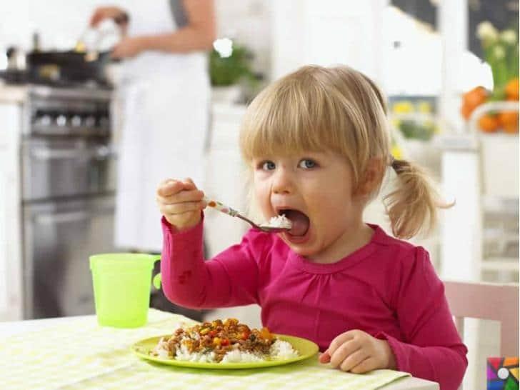 Çocuklarda Görülen Genel Beslenme Sorunları Nelerdir? | Okul öncesi sağlıklı beslenmenin öğretilmesi Anne ve Baba'nın görevidir.