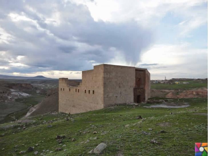 Doğunun unutulmuş imparatorluk merkezi : Ani Antik Kenti | Menuçehr Camii,