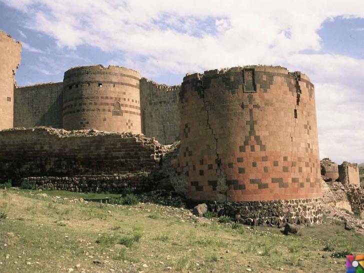 Doğunun unutulmuş imparatorluk merkezi : Ani Antik Kenti Surları