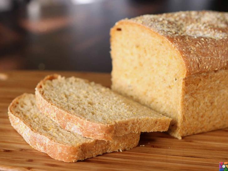Evdeki gıdaları nasıl saklamalıyız? | Ekmekleri dilimleyerek saklayın.