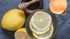 Kış hastalıklarına karşı bitkisel karışım: Bal, Soğan, Limon