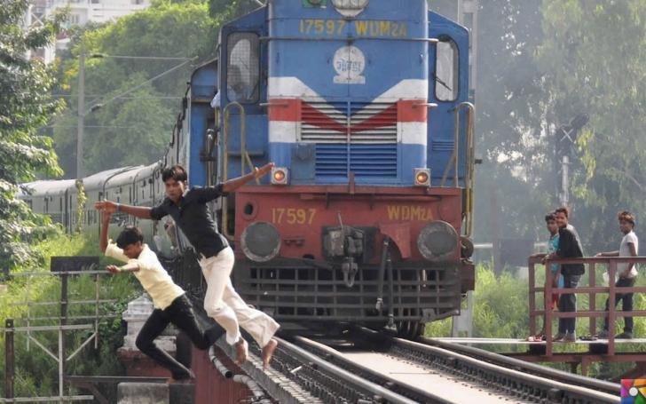 Selfie çekenlerde ölüm sayısı neden artıyor? | Hindistan'da tren ile fotoğraf çekmek çok meşhur