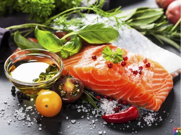 Zayıflamak için süper gücünde bir besin var mı? | Akdeniz diyeti Balık, Yeşil Sebzeler, Tahıllar ve Zeytinyağı ağırlıklıdır.