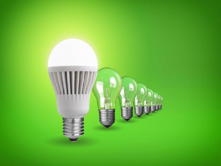 Elektrik faturalarını düşürmenin 7 basit yolu | Led ampülleri kullanmaya başlayın