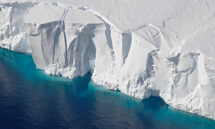 Antartika'da en büyük 10 dev buz kütlesinden biri kopmak üzere!