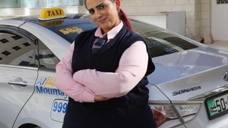 Arap dünyasında kadınlara özel Pembe Taksi hizmeti başladı!