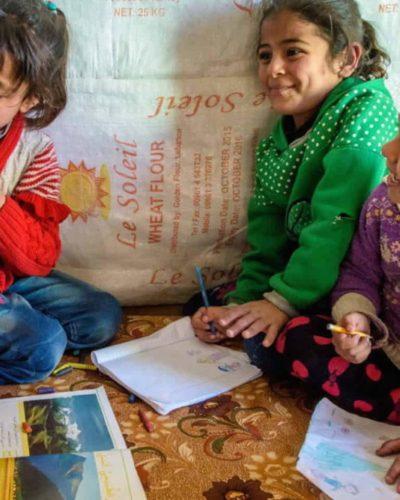 Türkiye'de okula gitmeyen Suriyeli mülteci çocuk sayısı 400 binden fazla!
