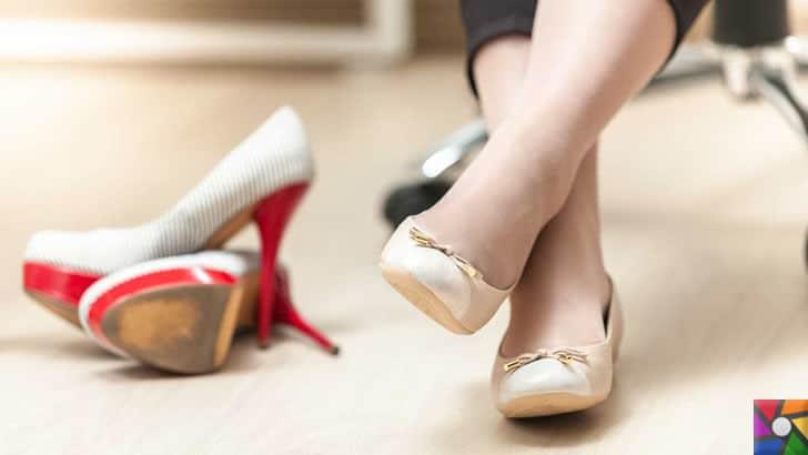Topuklu Ayakkabılar zararlıdır ama neden vazgeçilmez? | Topuklu ayakkabılar iş yerlerinde bir çok kadının 2. ayakkabı olarak masasının altındadır