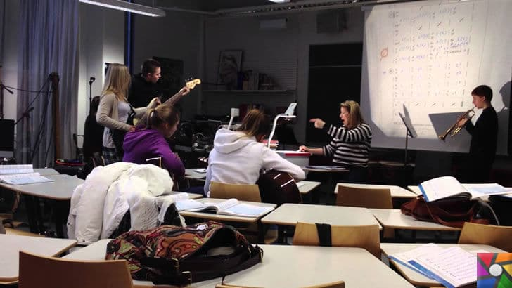 Finlandiya'da değişen Eğitim Sistemi Türkiye'ye örnek olabilir mi? |  Finlandiya'da Müzik dersi