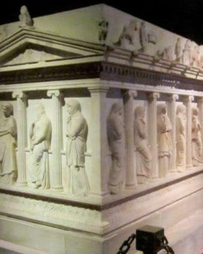 Lahit nedir? Lahit Mezar Nedir? Lahitlerin yapılışı ve Lahit türleri nelerdir?