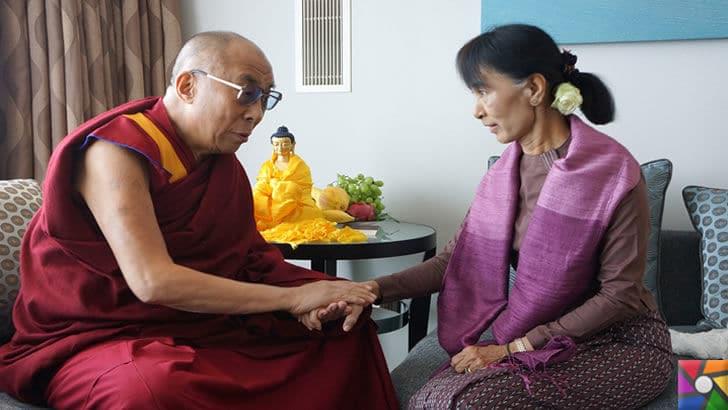 Budistler neden Sri Lanka ve Myanmar'da Müslümanları katlediyor? | Myanmar'ın lideri,Ang San Su Çi'nin Budist rahiple samimi halleri