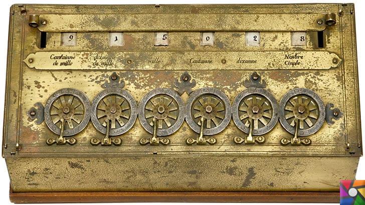 İlk hesap makinesini Leonardo da Vinci'mi buldu? Pascal'mı buldu? | Pascaline hesap makinesi