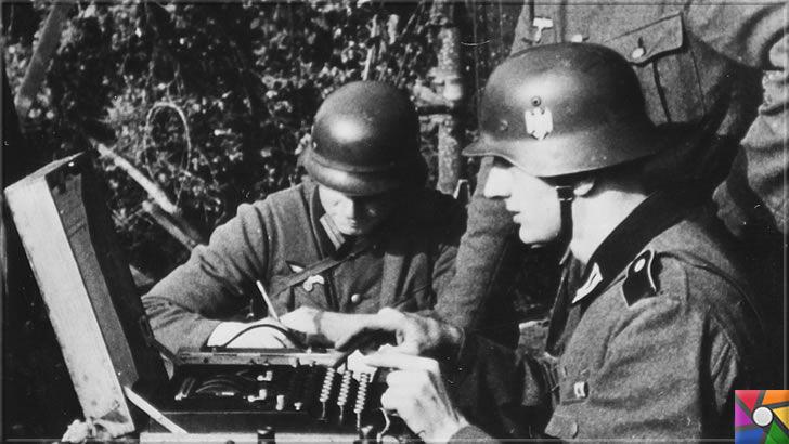 Nazilerin şifrelerini kırmak için üretilen ilk dijital dev bilgisayar: Colossus | Alman Nazi Askerleri Enigma ile metin şifreliyor