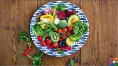 Sağlıklı ve Kusursuz bir cilt için yenilmesi gereken en iyi 24 gıda nedir?