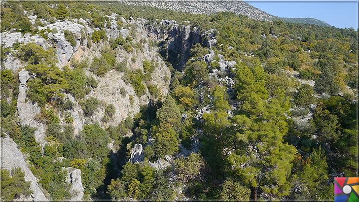 Antalya'nın görülmesi gereken harika 7 kanyonu nerede? Nasıl gidilir? | Ahmetli Kanyonu dar geçitleri olup, yüksek kayalıklar ile ayrılmıştır