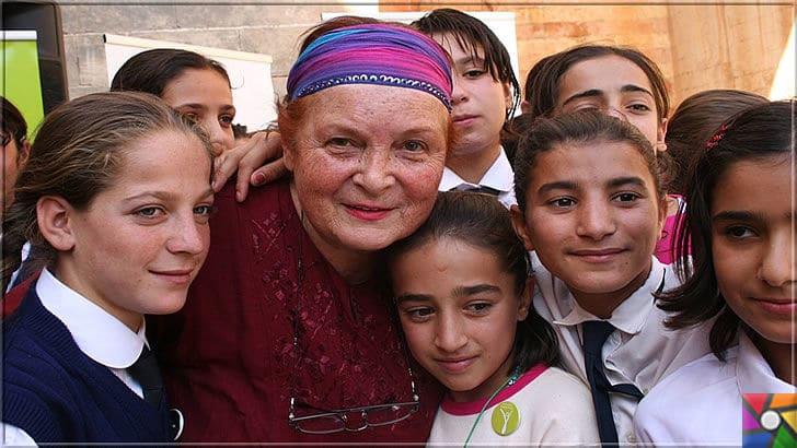 Türkan Saylan Kimdir? Türkan Saylan'ın Hayatı ve Biyografisi | Türkan Saylan yüzbinlerce kız çocuğuna yıllarca burs verdirmiştir