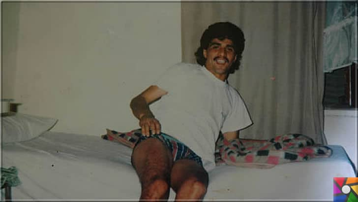 İbrahim Erkal Kimdir? İbrahim Erkal'ın Hayatı veBiyografisi | İbrahim Erkal'ın, ünlü olmadan önce 1992 yılında Tekirdağ'da garsonluk yaptığı yıllara ait bekar odasında çektirdiği fotoğraf