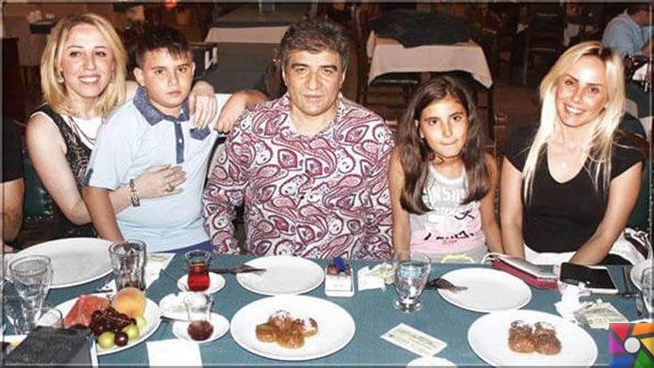 İbrahim Erkal Kimdir? İbrahim Erkal'ın Hayatı veBiyografisi | İbrahim Erkal'ın sağ tarafında sırasıyla kızı ve eşi