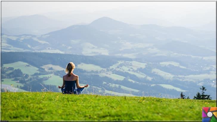 İnsanlar giderek yalnızlaşıyor mu? Yalnızlığın olumlu ve olumsuz yönleri | Yoga gibi meditasyonlar kişinin hayat bakışını değiştiriyor