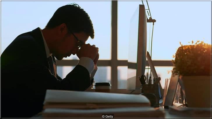 Mükemmeliyetçilik nedir? Mükemmeliyetçiliğin zararları nelerdir? | Mükemmeliyetçiler başarı uğruna kendi sağlığını hiçe sayarlar
