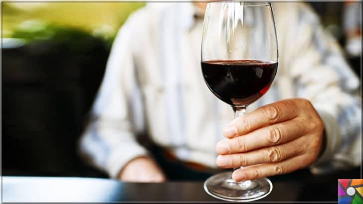 Az da olsa günlük alınan alkollü içkinin insan sağlığına hiç bir yararı yok! | Kalp damarlarını korumak için kesinlikle her gün 1 kadeh şarap içmeyin!i