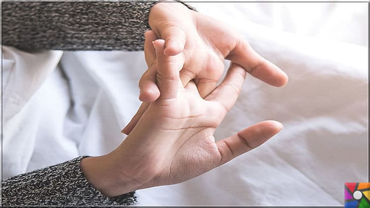 Parmak çıtlatma sesi nereden geliyor? Parmak çıtlatmak zararlı mı? | Uykudan kalkarken kimimiz alışkanlık olarak parmakların hepsini birden çıtırdatırız
