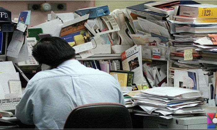 Çalışma masası dağınık mı, yoksa düzenli mi olmalı?
