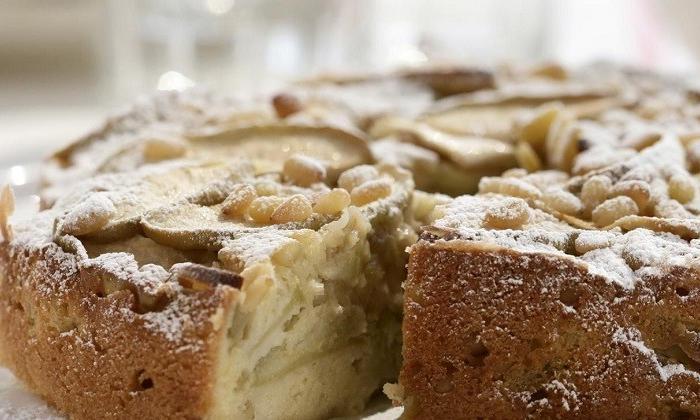 Dolmalık fıstıklı elmalı kek tarifi