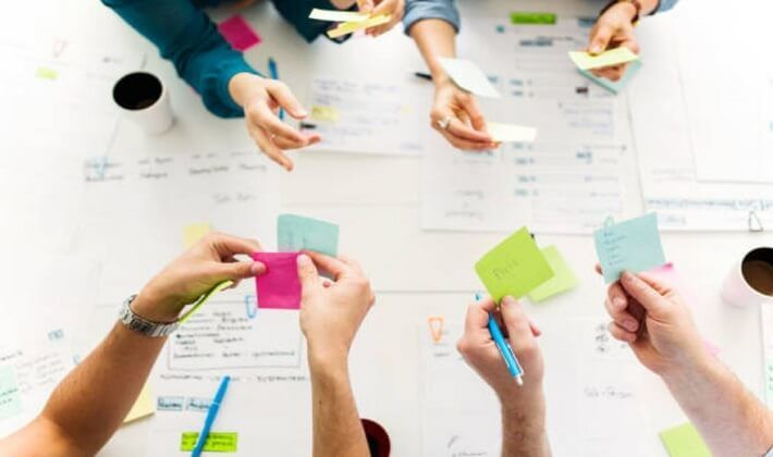 Sürdürebilir iş planı yaparken ortak akılların fikirlerine açık olmalı