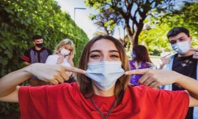 Covid-19 hastası olduğunu bilmeyen gençlerin %90'ı semptomsuz geçiriyor